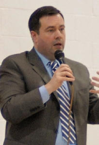 Jason Kenney speaks in 2008. Photograph by Tavis Ford from Canada, via Wikimedia Commons