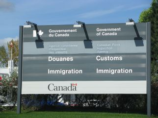 A Canadian Customs and Immigration service sign. Photo provided by TheTruthAbout.