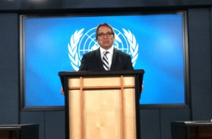 James Anaya, UN special rapporteur on the rights of indigenous peoples, gives a statement at the National Press Theatre in Ottawa, Oct. 15. Photo by Brianne Smith