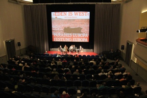"Costa-Gravas talking about his film ""Eden is West"" in Germany. Photo provided by Magnus Manske."