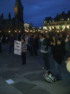 Crowd gathers to remember missing and murdered Aboriginal women. Photo by Maha Ansari.